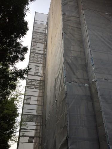足場中層住宅5